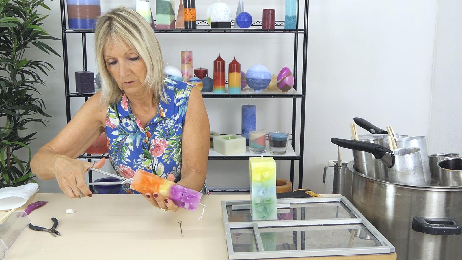 Réaliser une bougie à effet marbré avec 3 couleurs différentes