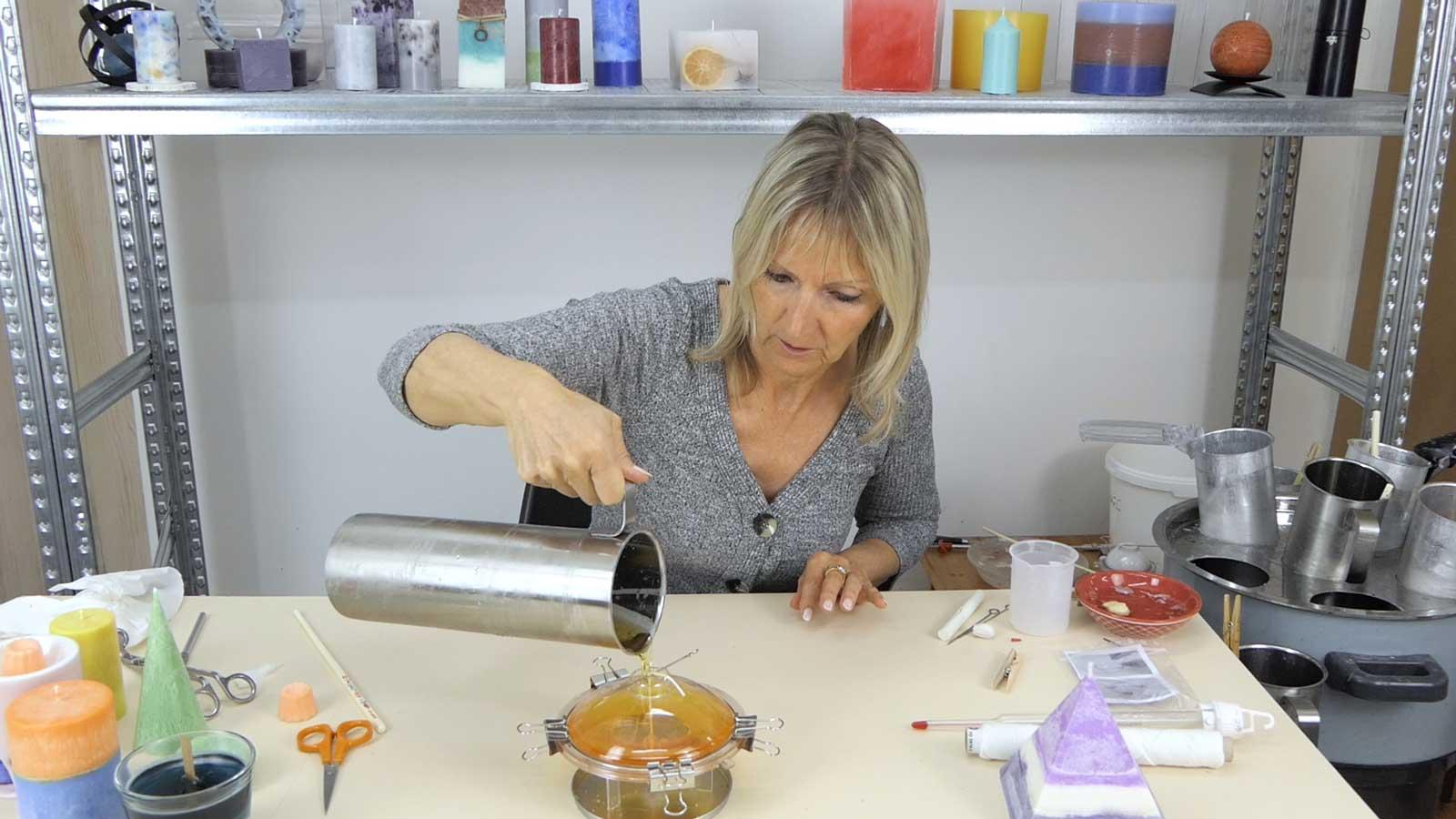 Technique pour réaliser une bougies cristalisée en forme d'ovni