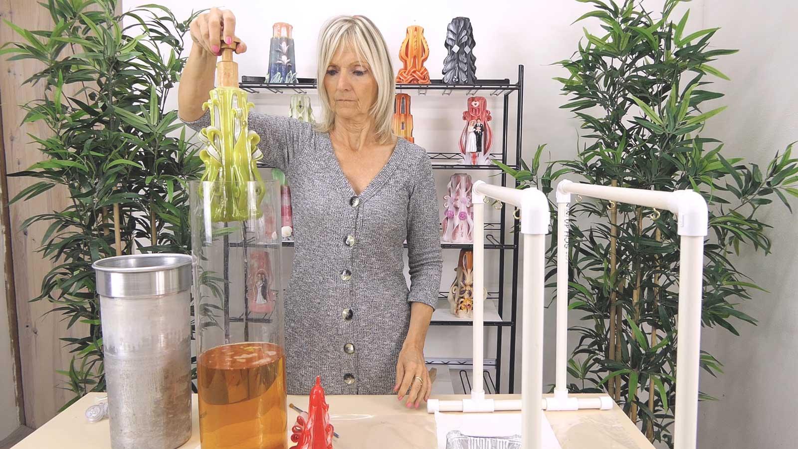 Comment donner une finition brillante à vos bougies sculptées ?