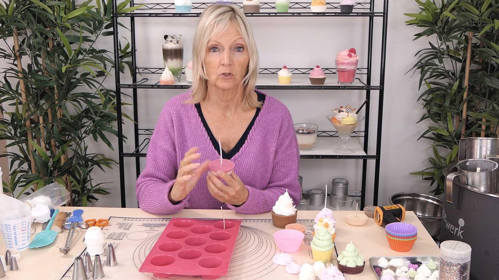 Préparation des bases de bougies cupcakes