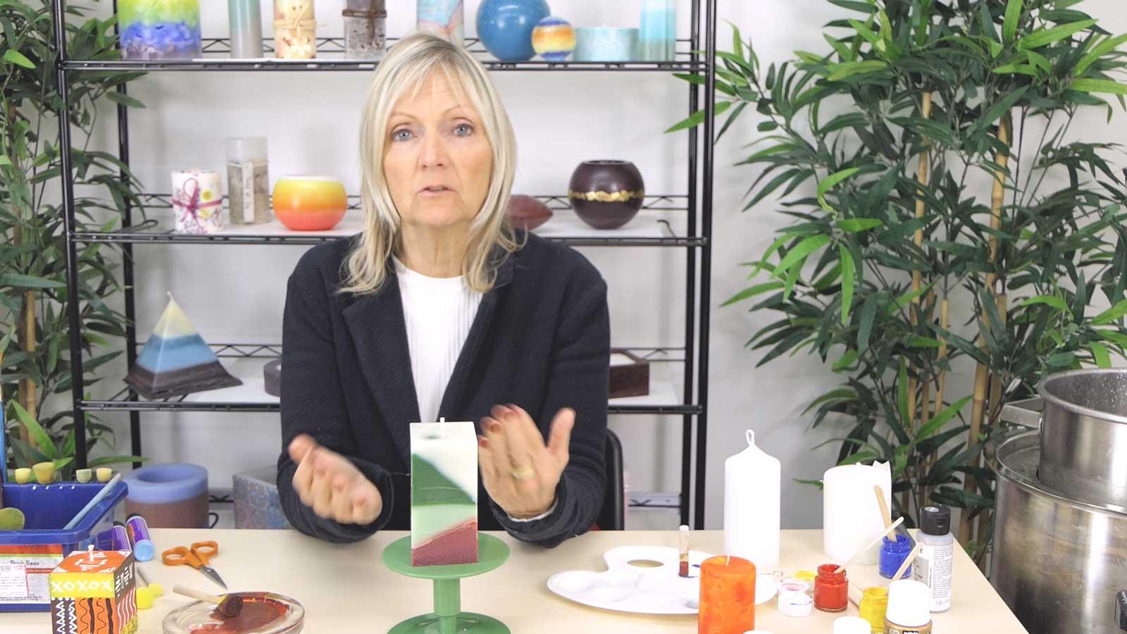 Décoration de bougies avec de la peinture