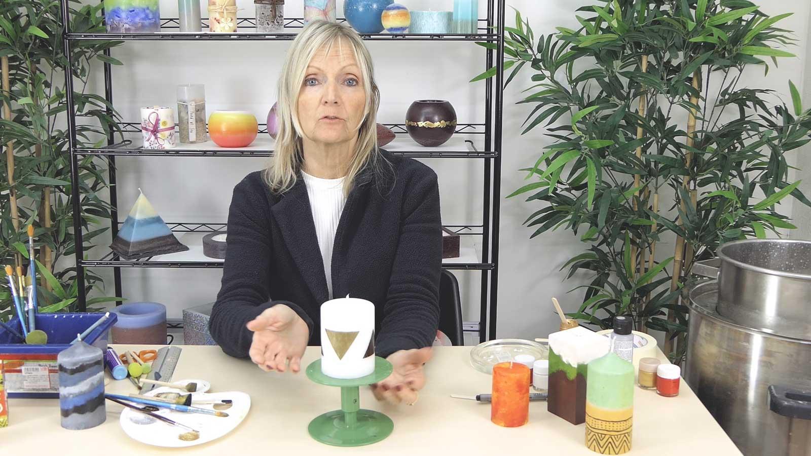 Décoration et peinture sur bougies formes géométriques